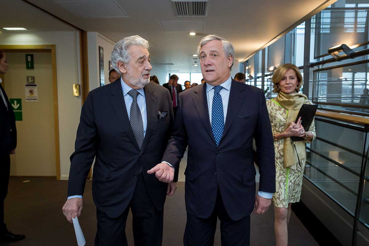 Plácido Domingo and Antonio Tajani during a meeting for IFPI in the European Parliament, Brussels
