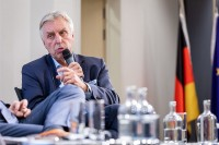 Erich Staake speaking at the discussion panel during the EU-China Connectivity event in Brussels