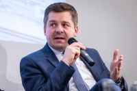 Sven Schulze talking at a discussion panel during the EU-China Connectivity event in Brussels