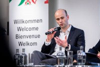Till Hoppe, Handelsblatt, moderating a discussion panel during the EU-China Connectivity event in Brussels