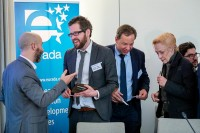 Business cards exchange between attendees during the 2020 Brokerage Event for Innovation Agencies by EURADA