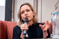 Inger Verhelst, Claeys & Engels, moderating a discussion panel during the GC Summit Belgium 2020